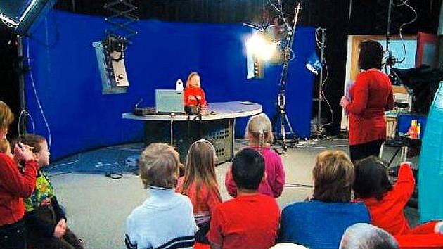 Exkurzi do nového studia Kabelové televize Kopřivnice absolvovaly také děti z místní mateřské školy Záhumenní.