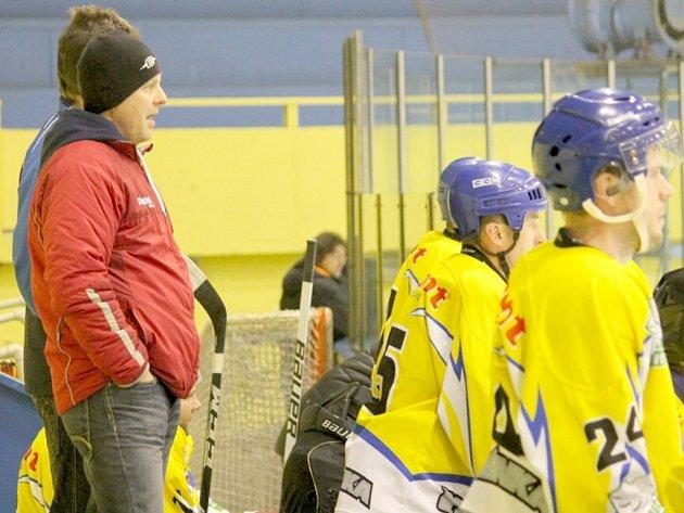 Kouč hokejové Studénky Miroslav Pokorný věří, že před příští sezonou dojde ke změně herního systému, a krajská liga tak získá opět vyšší kredit. Foto: