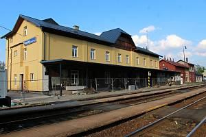 Rekonstrukce frenštátského vlakového nádraží bude pokračovat ve vnitřních prostorách.