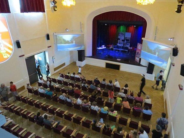 Po necelých dvou rocích rozsáhlé rekonstrukce v sobotu 3. září otevřeli v Příboře kulturní dům.
