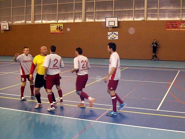 Poslední, 22. kolo, futsalové divize F odehrálo družstvo Tatranu Baracuda Jakubčovice ve své domácí hale v Odrách.