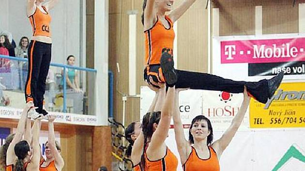 Sportovní klub Cheerleaders Nový Jičín hledá nové členy do svého týmu.