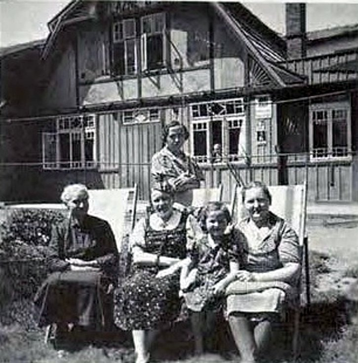 Snímek z kroniky Bildband Klantendorf - lázně v Kujavách v roce 1932.