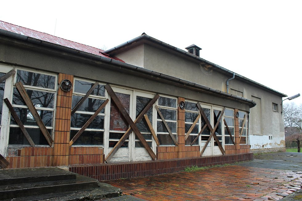 Z chátrajícího bývalého kina v Kuníně má vzniknout multifunkční kulturní sál.