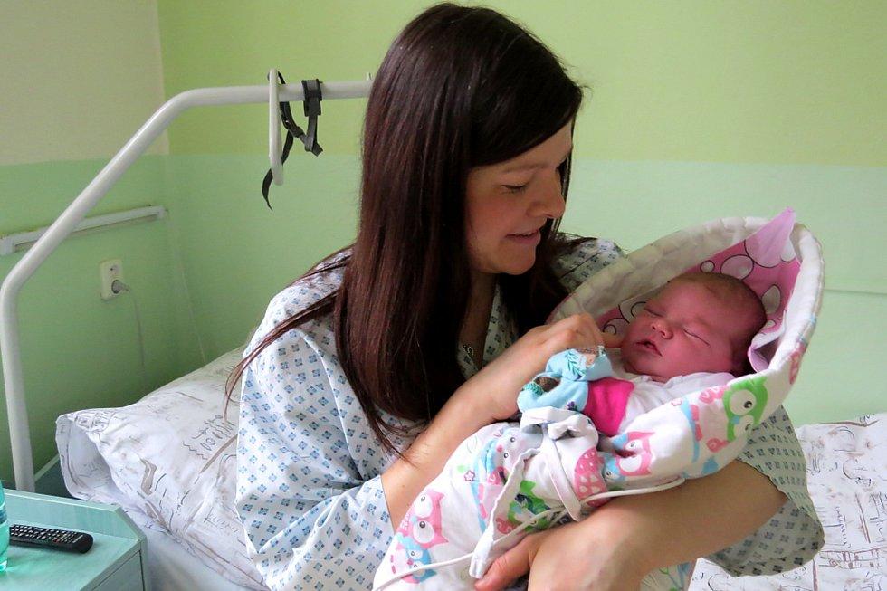Eva Čapková s prvorozenou dcerou Klárkou, která se na Nový rok narodila v novojičínské porodnici.