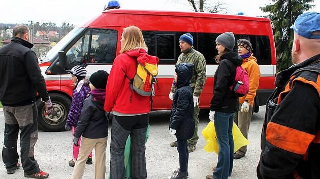 V šesti obcích a třech městech na Novojičínsku byla o víkendu k vidění iniciativa spojená s celostátní akcí Ukliďme Česko.