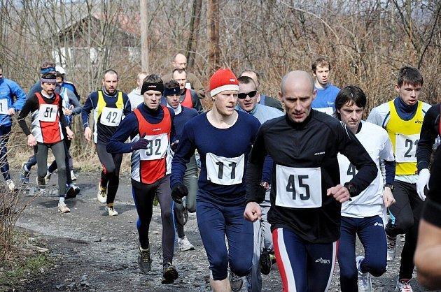 Během do vrchu odstartoval už šestnáctý ročník Lašské běžecké ligy, tedy seriálu čítajícího takřka dvacítku závodů, jehož organizátorem je Maratón klub Kopřivnice.