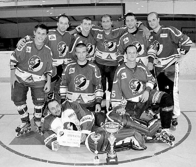 Vítěz 1. ročníku Horské in-line hokejové ligy, tým IHC Nový Jičín.