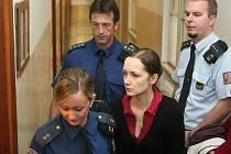 Za vraždu novorozence byla Pítrová odsouzena k šestnácti rokům vězení.