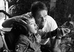 Putovní výstava fotografií Jindřicha Štreita ukazuje nelehký život dětí
