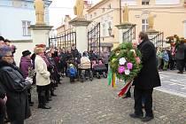 U kostela Narození Panny Marie v Příboře se sešly desítky lidí, aby se zúčastnili oslavy příchodu Velikonoc – svěcení palem.