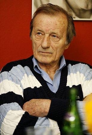 Radoslav Brzobohatý studoval sJosefem Taichmanem vKrnově dva roky. Za tu dobu se spolužáci a spolubydlící zinternátu stihli dobře skamarádit.
