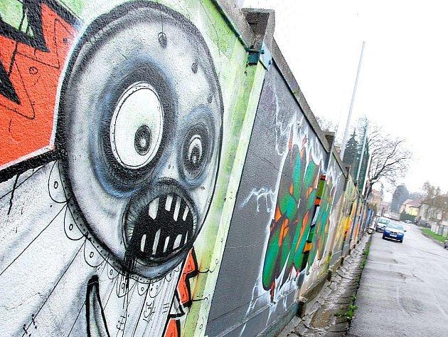 Stěna, na níž lze graffiti malovat legálně, by mohla již brzy vzniknout i v Kopřivnici.