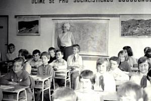 Jednou z těch, jejíž příběh zaznamenává Živá kronika je také Jarmila Cardová, bývalá učitelka na gymnáziu.