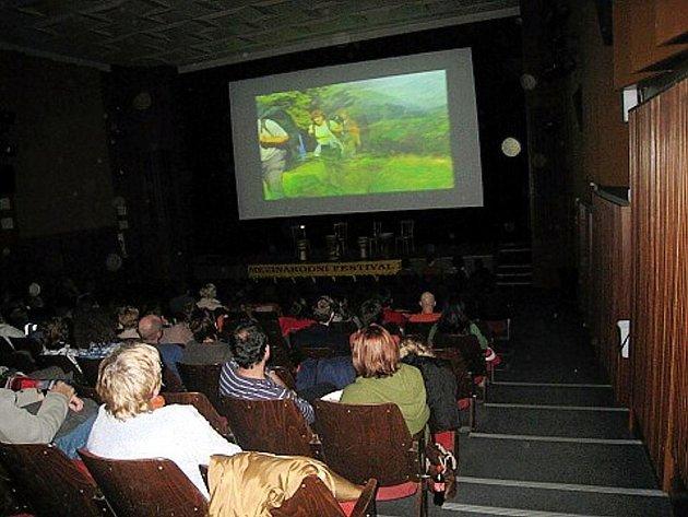 Frenštát pod Radhoštěm uvedl v městském kině sedmý ročník Mezinárodního festivalu outdoorových filmů.