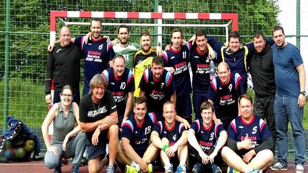HÁZENKÁŘI Trnávky ztratili v sezoně body pouze ve dvou případech a po zásluze ovládli Moravskoslezskou ligu.