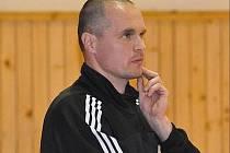 Trenér druholigových volejbalistek Nového Jičína Roman Jakubík.