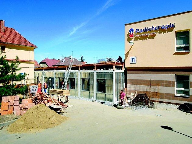 Výstavba nového zázemí Radioterapie probíhala pouhé dva měsíce.