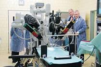 Robot Da Vinci je součástí novojičínské nemocnice od října 2008.