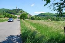 Štramberská radnice by ráda postavila na okraji města odstavné parkoviště pro sto vozidel, které by mělo sloužit především turistům.