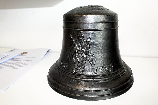 Zvon zroku 1783, který byl vposlední poustevně na Pustevnách.