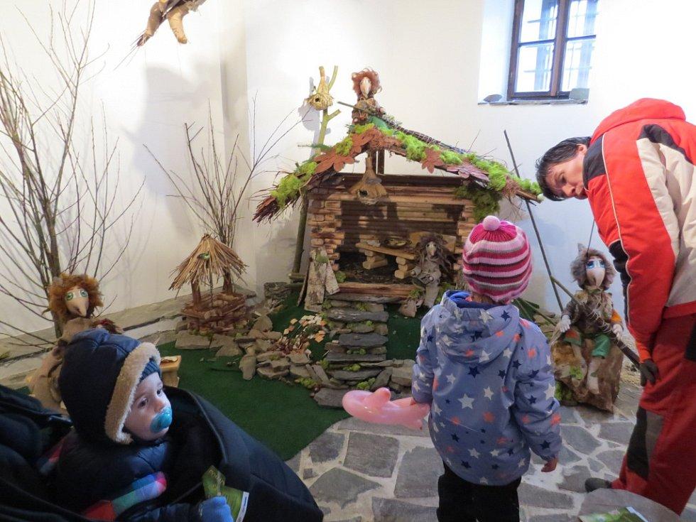 Do muzea městského práva Katovna v Odrách se v sobotu 12. prosince nastěhovali noví obyvatelé. Skřítci Prutníčci tam přiletěli na vrbových proutcích z oderských lesů. Jejich autorkou je Ivana Vajdová ze Slatiny.