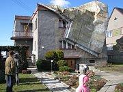 Krátká dešťová přeháňka doprovázená bouřkou připravila pro většinu obyvatel nejen Fulnecka nepěkné překvapení.