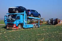 Nehoda nákladního automobilu u Starého Jičína.