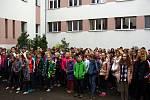Události listopadu v letech 1939 a 1989 si připomněli v pátek 15. listopadu žáci a učitelé ZŠ a MŠ Tyršova 913 ve Frenštátě pod Radhoštěm. Foto: archiv školy