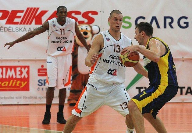 Basketbalisté Nového Jičína úvodní zápas nové sezony Mattoni NBL na své palubovce proti Opavě zvládli.