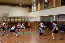 Volejbalisté Oder v 7. a 8. kole krajského přeboru soutěže MS-M-F dvakrát doma prohráli s volejbalisty TJ Dolní Benešov.