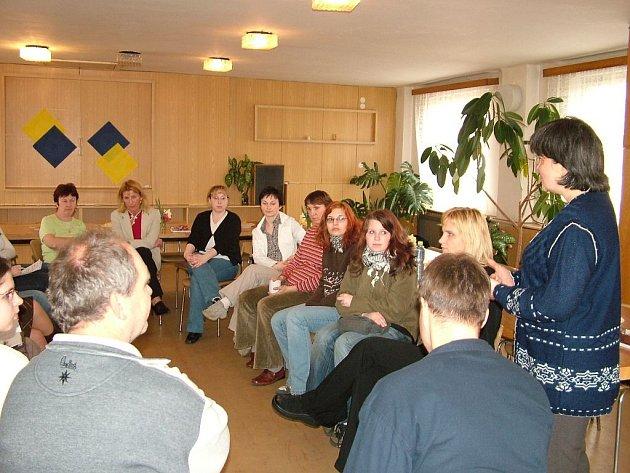 V současnosti jich pomáhá v bílovecké nemocnici patnáct dobrovolníků.