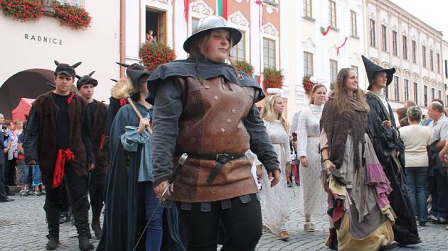 Nový Jičín má za sebou v pořadí již devatenáctou městskou slavnost. Letošní rok byl ve znamení pohádek, pověstí a legend Moravského Kravařska.