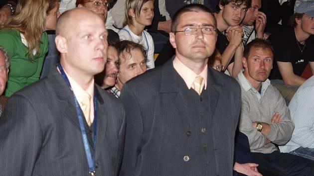 Trenérská dvojice Jistebníku Rostislav Brož (vlevo) - Radek Korený se v nové sezoně rozdělí. Dva velcí kamarádi budou vykonávat nové funkce. brož je sportovním ředitelem klubu, Korený hlavním koučem.