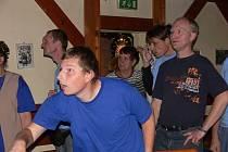 Sportovní nadšení a sportovního ducha předvedli handicapovaní lidé v Bowling baru v Novém Jičíně.
