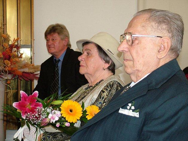 Anna a Antonín Jurčíkovi si v požehnaném věku perfektně rozumí.