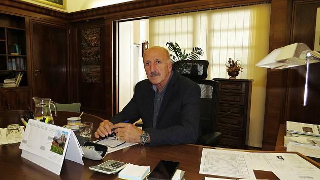 Starosta Šenova u Nového Jiíčna Jaromír Kadlec je ve funkci první volební období. V komunální politice už má ale bohaté zkušenosti z předešlých let.