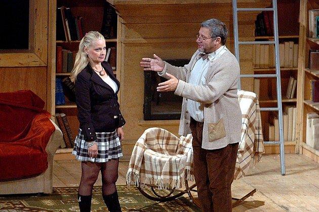 Herci Divadla Na Fidlovačce pobaví novojičínské publikum ve hře Poslední doutník.