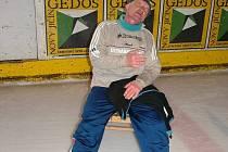 Karel Ligocki těsně po dvanáctihodinovce, při které v březnu 2006 v Novém Jičíně zajel dosavadní rekord.
