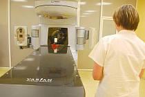 Novojičínské komplexní onkologické centrum pracuje s moderním lineárním urychlovačem, druhým přístrojem tohoto druhu v České republice.