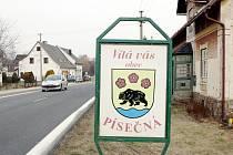 Podobná vítací tabule bude od dubna vítat také návštěvníky obce Bítov. Tamní zastupitelé ji vybírali z několika návrhů. Ilustrační foto.