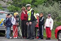 Žáci základních škol v Odrách měli možnost navštívit Obvodní oddělení Policie ČR Odry, která pro ně uspořádala Den otevřených dveří. Děti si mohly na chvíli vyzkoušet, jaké to je být strážcem zákona.