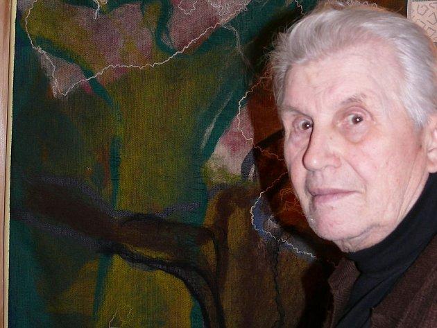 Vlastislav Holub je i při svých blížících se třiaosmdesátinách stále tvůrčí a plný humoru.