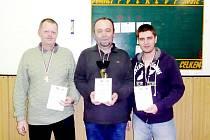 Vítězové kategorie mužů, zleva druhý Petr Dvorský, vítěz Karel Šnajdárek a třetí Karel Chlevišťan.