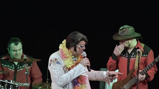 Písním Elvise Presleyho patřil večer 26. prosince v Kulturním domě v Příboře.