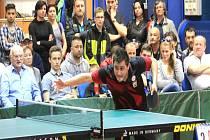 MICHAL KRATOCHVÍL v neděli uspěl nejprve ve čtyřhře a novojičínský triumf pak řídil třemi výhrami ve dvouhrách.