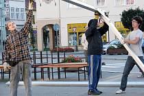 Dobrovolníci také pomáhli při likvidaci stanů po Dni města.