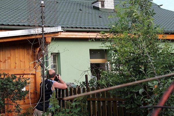 Vdomě se zelenou fasádou vulici Dráhy ve Frenštátě pod Radhoštěm našli vpondělí 9.července policisté tělo soudce Miloslava Studničky.