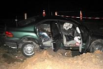 V sobotu 10. dubna ignoroval dvaatřicetiletý řidič značku Zákaz vjezdu a jel po dočasně uzavřeném úseku silnice první třidy I/48. Jeho cesta skončila v hlubokém výkopu a s těžkými zraněními skončil v nemocnici.