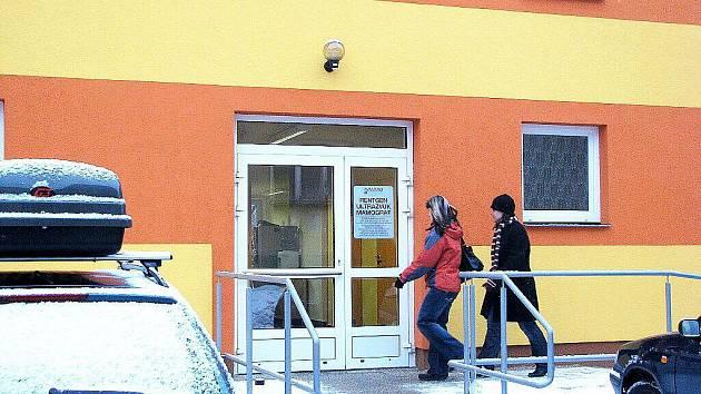 Mammocentrum, určené zejména pro vyšetření nádorového onemocnění prsu ve středu 10. února zahájilo provoz v nových prostorách.